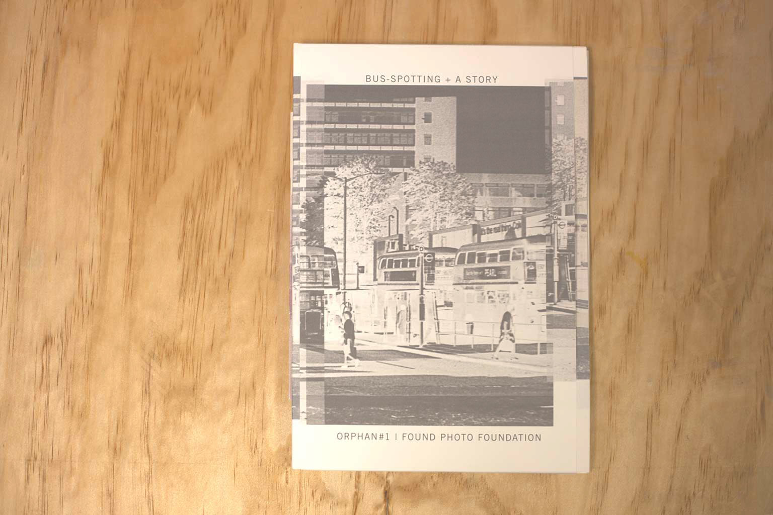 paula-roush-bus-spotting-photobook-msdm-publications-orphan1-144