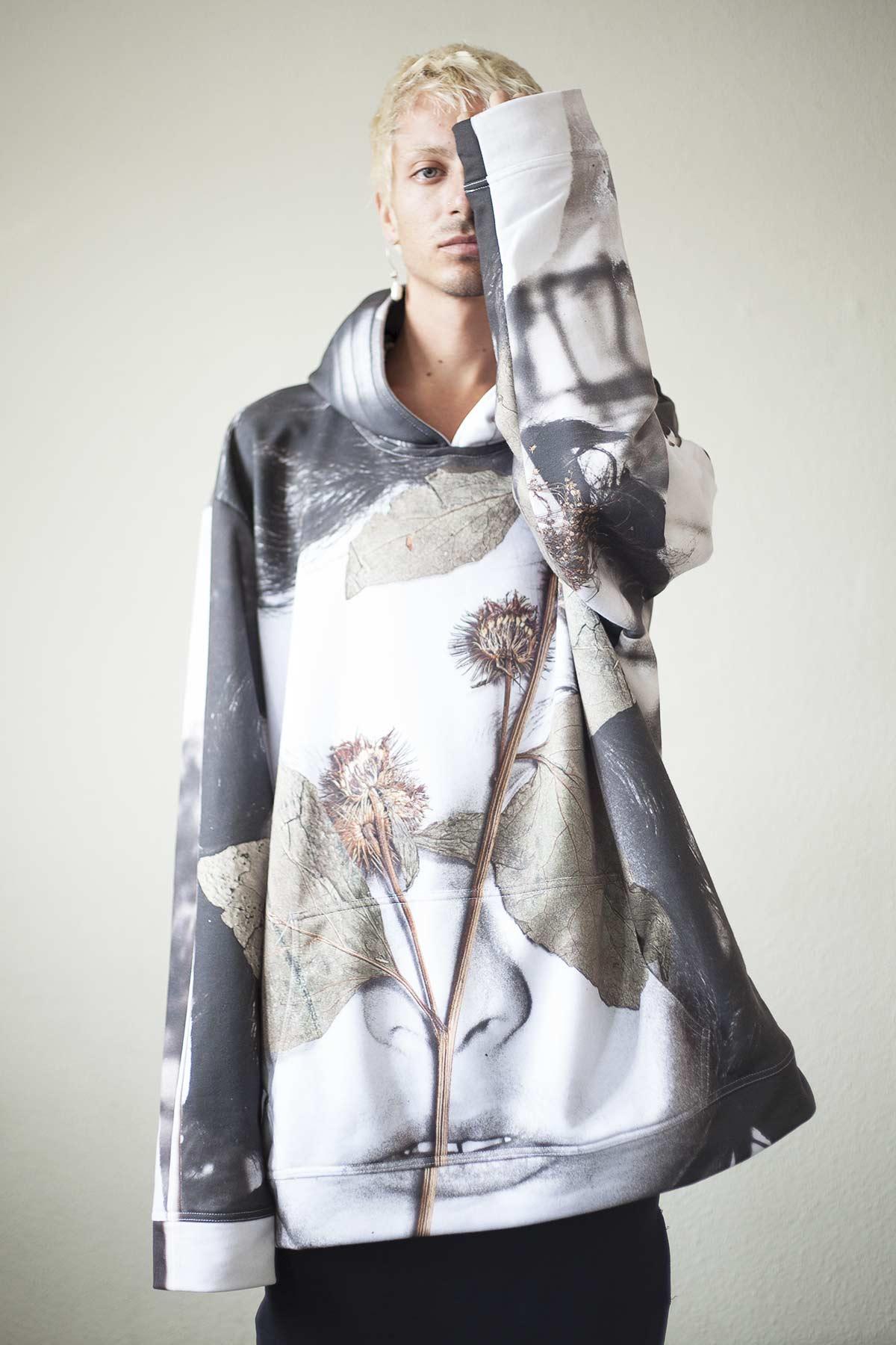 msdm-studio-flora-mccallica-hoodie-01